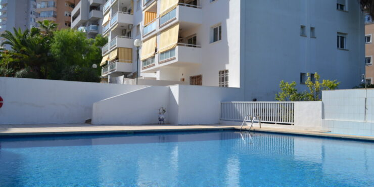 Bright 2 bedroom ground floor apartment for rent in Marivent