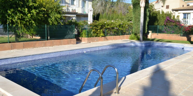Modern, stunning 3 bedroom ground floor apartment in Calvia Village
