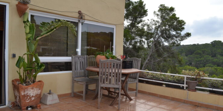 Spacious 2 bedroom apartment for rent in Portals Vells
