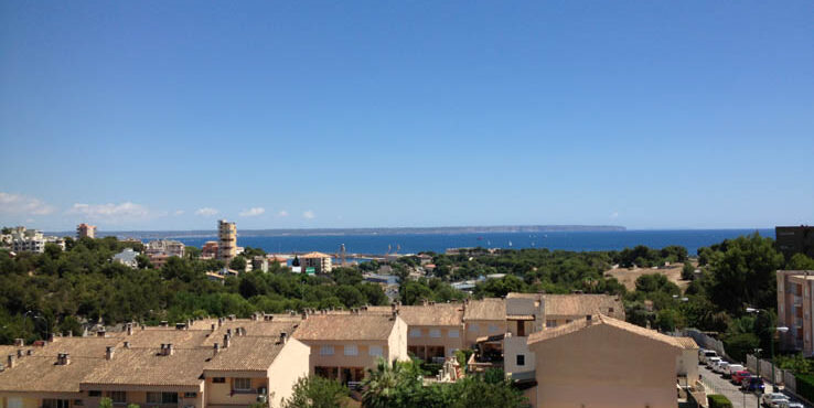 Lovely 2 bedroom duplex penthouse for rent in Cala Major