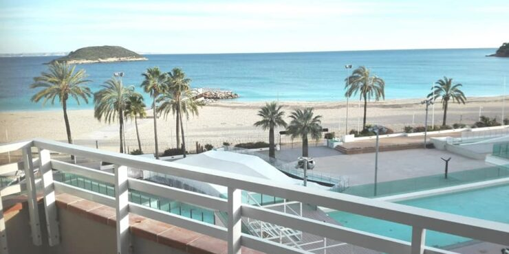 Bright apartment for rent in Magaluf with stunning views