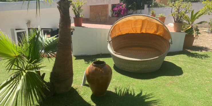 Spacious detached villa for rent in Paguera