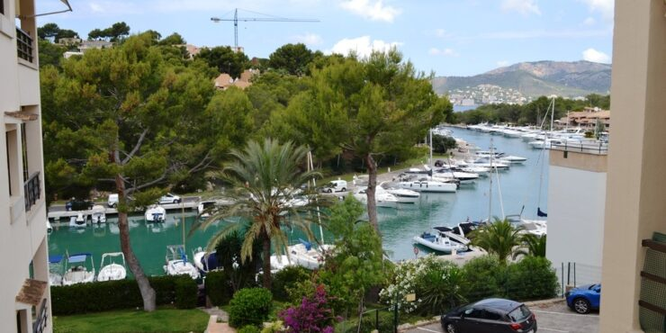 Spacious and bright apartment for rent in Club Nautico