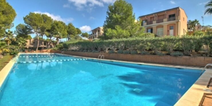 Charming townhouse for sale in Cala Vinyas