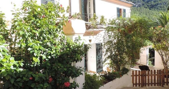 Charming renovated house for rent in Andratx