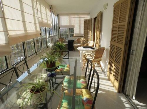 Unfurnished apartment for rent in Santa Ponsa